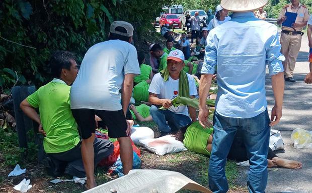 Tai nạn xe khách thảm khốc ở Quảng Bình: Các nạn nhân là cựu học sinh đi họp lớp, số người chết tăng lên 13 - Ảnh 3.