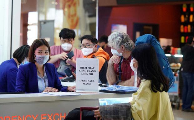 Người từ Đà Nẵng về Hà Nội được khuyến cáo tự cách ly tại nhà 14 ngày phòng Covid-19 - Ảnh 1.