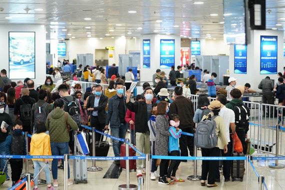 Động thái bất ngờ của công ty du lịch dành cho hành khách đã đặt vé tới Đà Nẵng - Ảnh 1.