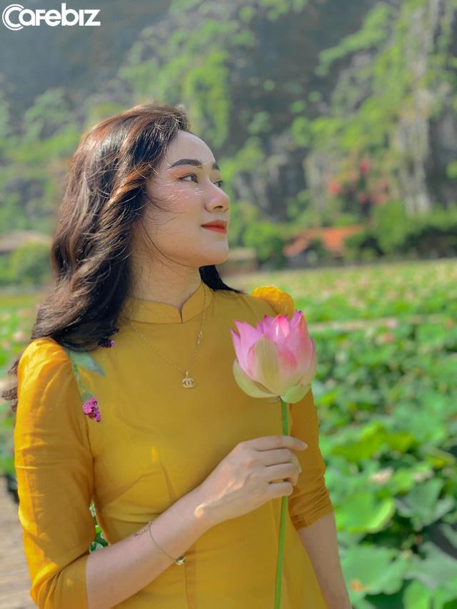 Đến Hang Múa, Ninh Bình ngập trong sắc sen hồng: Trọn vẹn 1 ngày cuối tuần rời xa thành thị xô bồ, chiêm ngưỡng vẻ đẹp thiên nhiên xanh mướt - Ảnh 3.