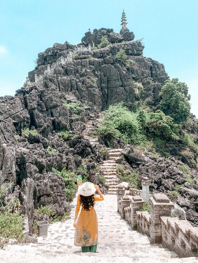 Đến Hang Múa, Ninh Bình ngập trong sắc sen hồng: Trọn vẹn 1 ngày cuối tuần rời xa thành thị xô bồ, chiêm ngưỡng vẻ đẹp thiên nhiên xanh mướt - Ảnh 5.