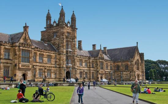 Đại học số 1 nước Úc cho phép học sinh tất cả các trường chuyên Việt Nam sử dụng điểm lớp 12 để xét tuyển thẳng