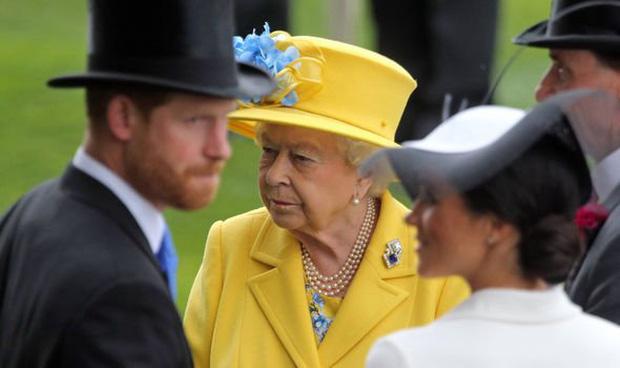 Không còn lưu luyến, động thái mới của Hoàng gia Anh chứng tỏ Harry đang từng bước bị loại ra khỏi nội bộ Gia tộc? - Ảnh 1.
