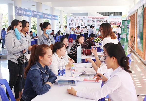 Đà Nẵng: Chưa DN nào tiếp cận được vốn vay không lãi suất để trả lương ngừng việc cho người lao động - Ảnh 1.
