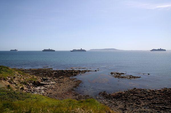 Thảm cảnh những siêu tàu du lịch mùa Covid-19: Niềm kiêu hãnh trên các đại dương bị xếp xó, đối mặt án tử hình treo - Ảnh 3.