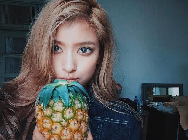 Ăn nhiều trái cây vào mùa hè rất tốt cho sức khỏe nhưng có 6 loại cần chú ý, lỡ ăn nhiều có thể bị đau họng, đầy hơi, mọc mụn - Ảnh 2.