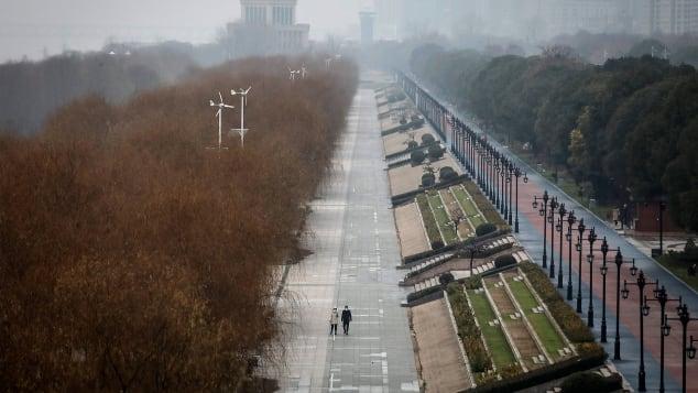 Tuần lễ vàng hơn 1 tỷ dân Trung Quốc ngóng chờ sẽ trở thành phép thử liều cao cho nỗ lực chống Covid-19 - Ảnh 2.