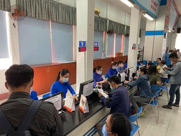 Ngày đầu bán vé Tết Tân Sửu 2021: Ga Sài Gòn vắng khách vì hàng chục nghìn người đã mua vé qua mạng - Ảnh 3.