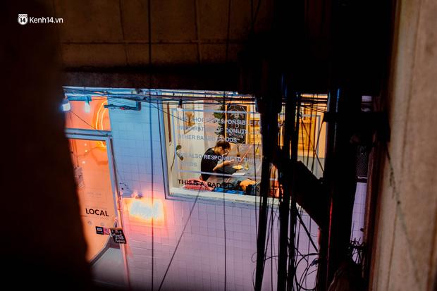 Cận cảnh chung cư Việt Nam lên báo Mỹ được khen nức nở: 1 tỷ đồng cho mỗi mét vuông, thiên đường cafe của giới trẻ Sài Gòn - Ảnh 15.
