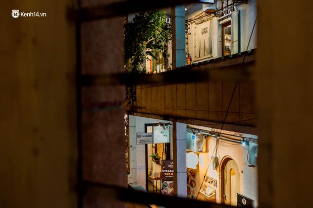 Cận cảnh chung cư Việt Nam lên báo Mỹ được khen nức nở: 1 tỷ đồng cho mỗi mét vuông, thiên đường cafe của giới trẻ Sài Gòn - Ảnh 16.