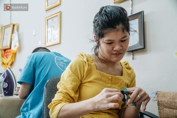 Anh giám đốc đặt tên Vụn cho doanh nghiệp, đi hết 17 phường của quận Hà Đông để chiêu mộ người khuyết tật biến rác thành vàng - Ảnh 16.
