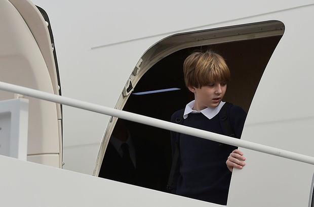 """Thích một mình, chuộng mặc vest từ nhỏ và loạt fact ít ai biết về """"Hoàng tử Nhà Trắng"""" Barron Trump - Cậu bé được cả thế giới săn đón - Ảnh 2."""