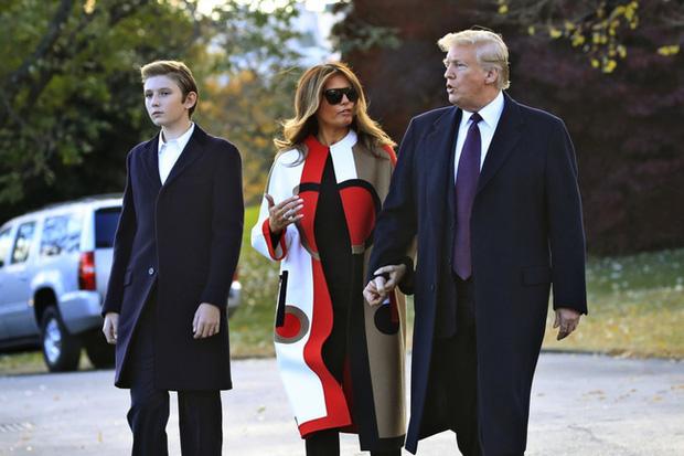 """Thích một mình, chuộng mặc vest từ nhỏ và loạt fact ít ai biết về """"Hoàng tử Nhà Trắng"""" Barron Trump - Cậu bé được cả thế giới săn đón - Ảnh 11."""