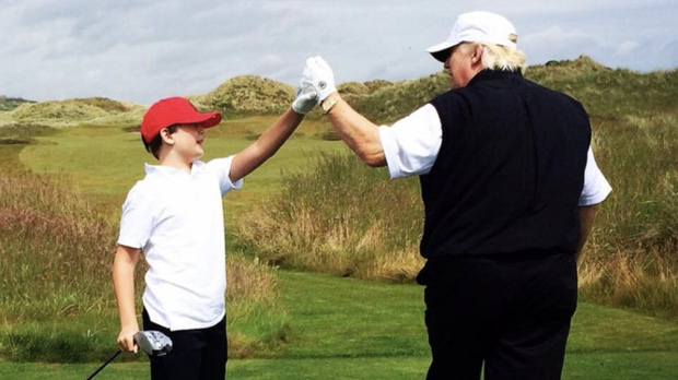 """Thích một mình, chuộng mặc vest từ nhỏ và loạt fact ít ai biết về """"Hoàng tử Nhà Trắng"""" Barron Trump - Cậu bé được cả thế giới săn đón - Ảnh 9."""