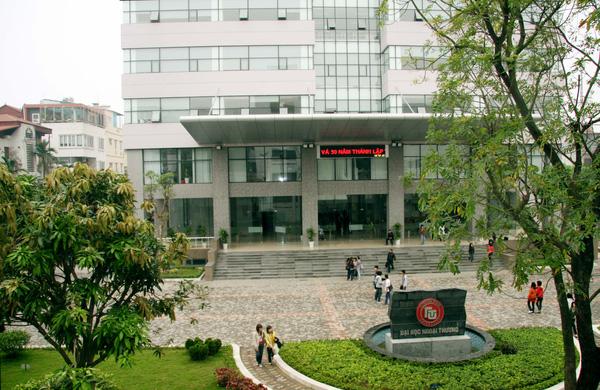 Con được xét tuyển thẳng vào Đại học Ngoại thương, bà mẹ chỉ ra điểm mấu chốt giúp học sinh đặt chân vào ngôi trường danh giá này - Ảnh 3.