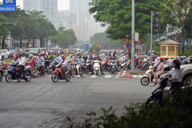Khởi công xây dựng hầm chui Lê Văn Lương - vành đai 3, tuyến đường huyết mạch thường xuyên ùn tắc giờ tan tầm - Ảnh 13.