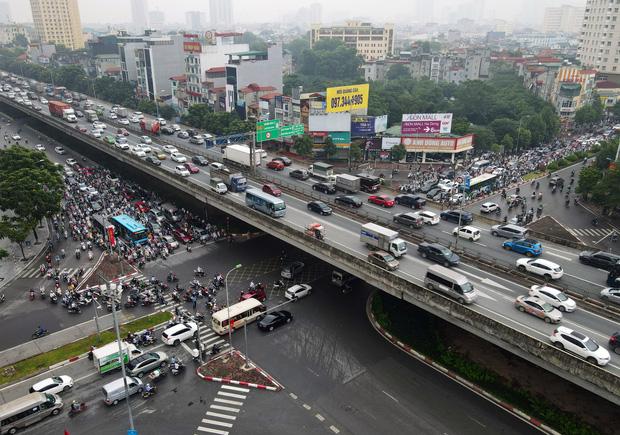 Khởi công xây dựng hầm chui Lê Văn Lương - vành đai 3, tuyến đường huyết mạch thường xuyên ùn tắc giờ tan tầm - Ảnh 5.