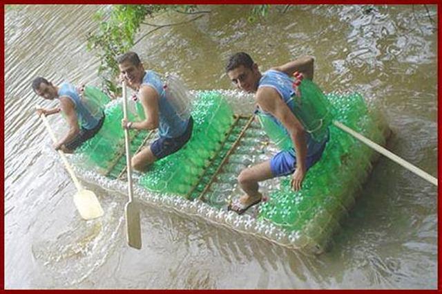 Sáng chế áo phao, bè nổi tái chế làm từ chai nhựa hot trở lại mùa mưa lũ: Giải pháp nhanh, ít tốn kém cho bà con miền Trung - Ảnh 3.