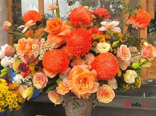 Lễ 20/10, khách chịu chơi chi hàng chục triệu đồng đặt hoa nhập khẩu - Ảnh 5.