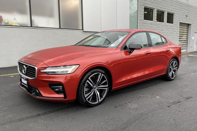 Volvo S60 rục rịch ra mắt tại Việt Nam, giá dưới 2 tỷ cạnh tranh Mercedes C-Class và BMW 3-Series - Ảnh 1.