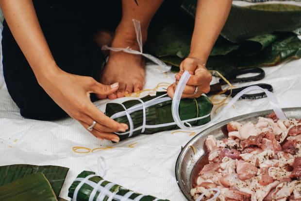 """Người Sài Gòn trắng đêm gói 5.000 bánh chưng, bánh tét gửi bà con vùng lũ, tiếp sức cho """"khúc ruột"""" miền Trung - Ảnh 12."""