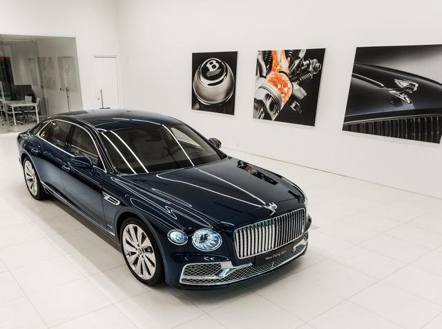 Cận cảnh Bentley Flying Spur First Edition đầu tiên tại Việt Nam, giá bán lên tới 30 tỷ đồng - Ảnh 1.