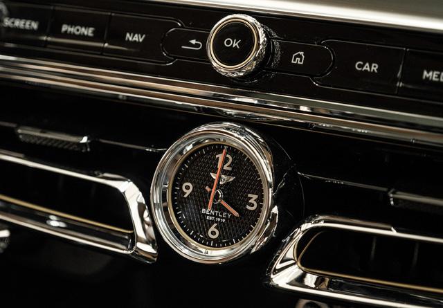 Cận cảnh Bentley Flying Spur First Edition đầu tiên tại Việt Nam, giá bán lên tới 30 tỷ đồng - Ảnh 12.