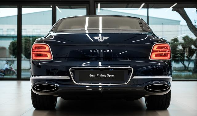 Cận cảnh Bentley Flying Spur First Edition đầu tiên tại Việt Nam, giá bán lên tới 30 tỷ đồng - Ảnh 4.