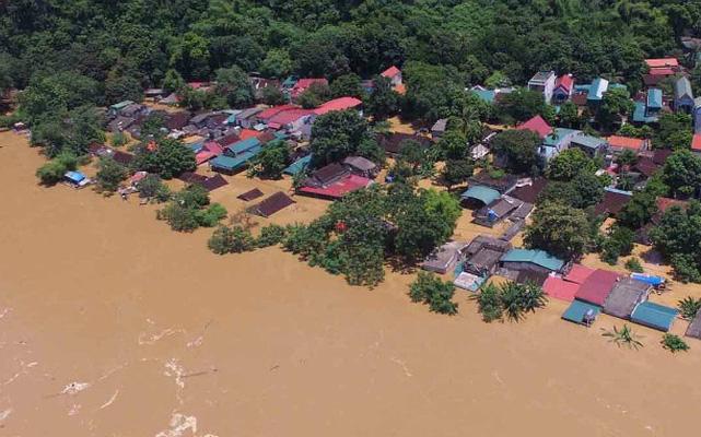Nhiều tập đoàn BĐS lớn chung tay ủng hộ miền Trung vượt qua bão lũ