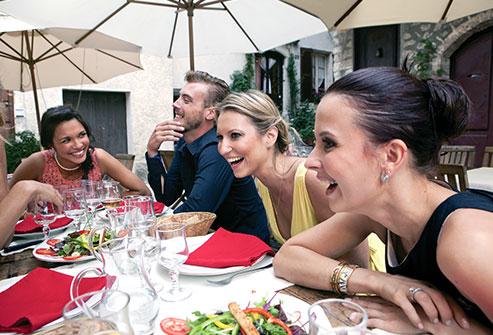 Chế độ ăn của người Pháp, Ý, Nhật, Hàn Quốc... có gì đặc biệt khiến cả thế giới nên học? - Ảnh 1.