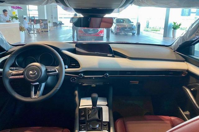 Mazda3 thêm phiên bản đặc biệt tại Việt Nam: Giá 869 triệu đồng, sản xuất giới hạn chỉ 40 chiếc - Ảnh 9.