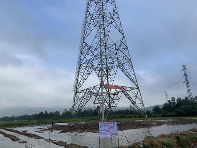 Đường dây 500KV Bắc - Nam mạch 3 chậm tiến độ, miền Nam đối diện nguy cơ thiếu điện - Ảnh 1.