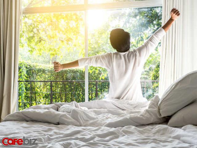 Không phải cứ dậy sớm là thành công, trong khi dậy muộn có những lợi ích tuyệt vời: Tiết kiệm tiền và thời gian, sáng tạo, yêu bản thân...  - Ảnh 1.