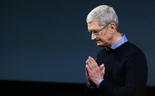 Doanh thu từ iPhone gây thất vọng, giá cổ phiếu Apple lao dốc - Ảnh 1.