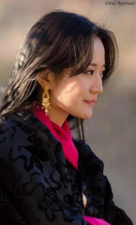 Gia đình cực phẩm của Hoàng hậu vạn người mê Bhutan: Em trai làm phò mã, chị gái xinh đẹp kết hôn với hoàng tử - Ảnh 5.