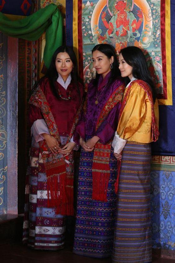 Gia đình cực phẩm của Hoàng hậu vạn người mê Bhutan: Em trai làm phò mã, chị gái xinh đẹp kết hôn với hoàng tử - Ảnh 7.