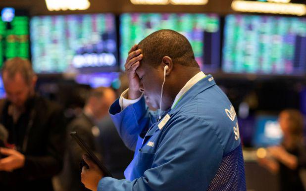 Cơn sóng bán tháo quay lại, Phố Wall chứng kiến tuần tồi tệ nhất kể từ tháng 3
