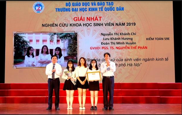 Tân cử nhân duy nhất của ĐH Kinh tế Quốc dân tốt nghiệp thần tốc sau 3 năm, vừa nhận bằng Giỏi vừa là Đảng viên - Ảnh 2.