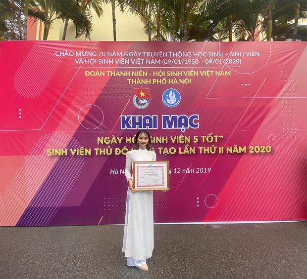 Tân cử nhân duy nhất của ĐH Kinh tế Quốc dân tốt nghiệp thần tốc sau 3 năm, vừa nhận bằng Giỏi vừa là Đảng viên - Ảnh 6.