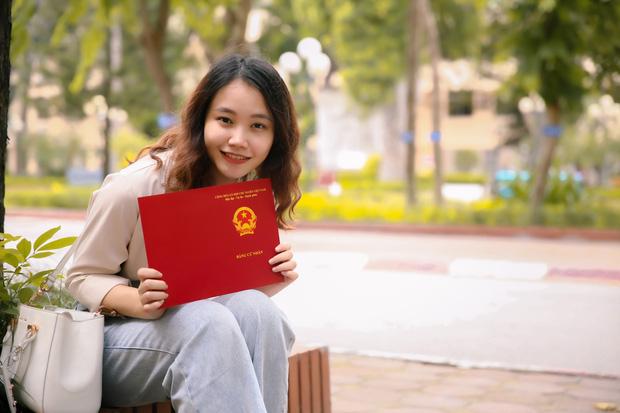Tân cử nhân duy nhất của ĐH Kinh tế Quốc dân tốt nghiệp thần tốc sau 3 năm, vừa nhận bằng Giỏi vừa là Đảng viên - Ảnh 7.