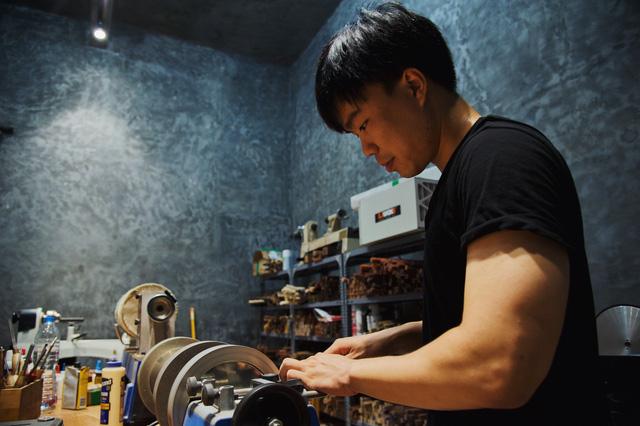Sống bằng đam mê: Cựu sinh viên FTU rẽ ngang sang nghề viết chữ, đến nay thành nghệ nhân calligraphy số 1 Việt Nam  - Ảnh 10.