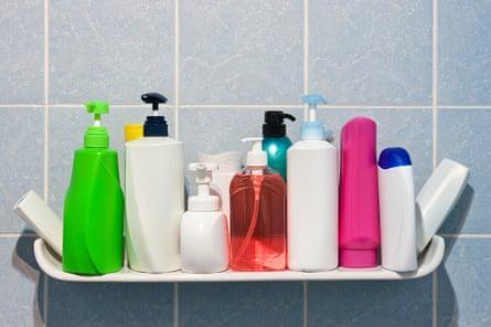 Đây là lý do khiến chuyên gia sức khoẻ không dùng hoá mỹ phẩm khi tắm gội - Ảnh 4.