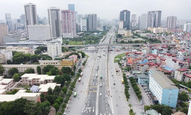 Mục sở thị Vành đai 3 trên cao đẹp nhất Hà Nội đoạn Mai Dịch - Nam Thăng Long trước giờ thông xe - Ảnh 1.