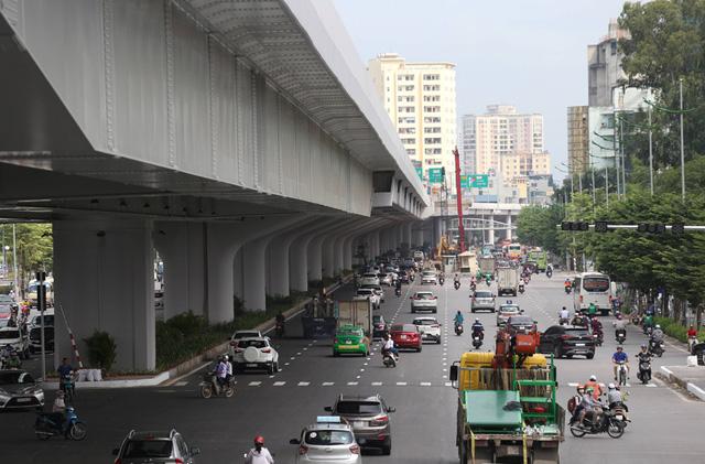 Mục sở thị Vành đai 3 trên cao đẹp nhất Hà Nội đoạn Mai Dịch - Nam Thăng Long trước giờ thông xe - Ảnh 12.