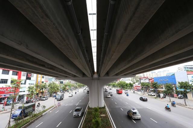 Mục sở thị Vành đai 3 trên cao đẹp nhất Hà Nội đoạn Mai Dịch - Nam Thăng Long trước giờ thông xe - Ảnh 13.