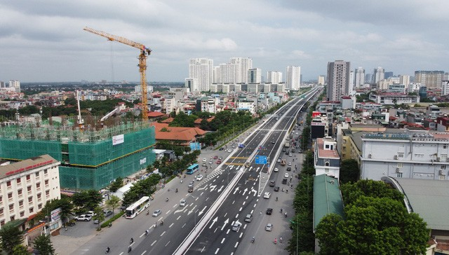 Mục sở thị Vành đai 3 trên cao đẹp nhất Hà Nội đoạn Mai Dịch - Nam Thăng Long trước giờ thông xe - Ảnh 3.
