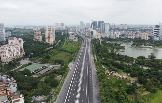 Mục sở thị Vành đai 3 trên cao đẹp nhất Hà Nội đoạn Mai Dịch - Nam Thăng Long trước giờ thông xe - Ảnh 4.
