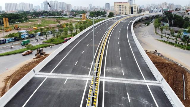 Mục sở thị Vành đai 3 trên cao đẹp nhất Hà Nội đoạn Mai Dịch - Nam Thăng Long trước giờ thông xe - Ảnh 6.