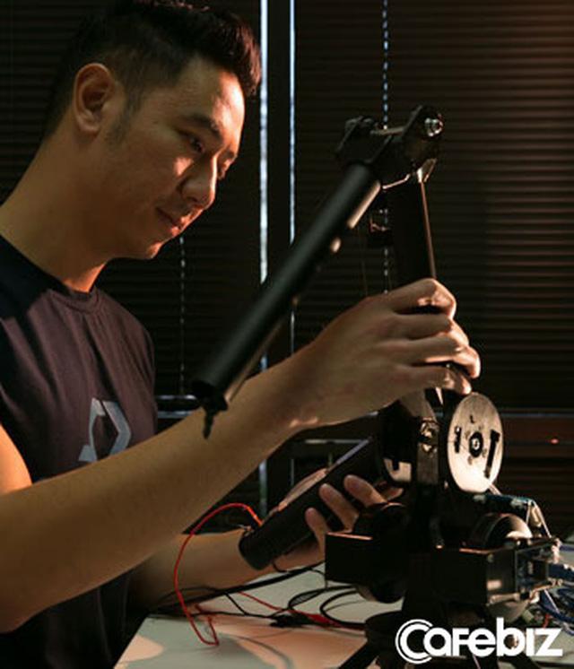 Shark Dzung vừa chiêu mộ được tân GĐ đầu tư cho Do Ventures: Tiến sĩ Standford, là người Việt nằm Top 40 người dưới 40 tuổi có ảnh hưởng nhất tại Silicon Valley  - Ảnh 1.