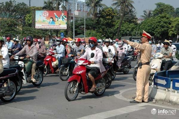 Ngày mai (12/11), Hà Nội cấm và hạn chế phương tiện qua các tuyến đường nào? - Ảnh 1.